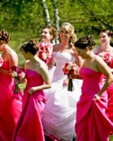 4a286ff55cf Menyecske ruha, koszorúslány ruha - ALMÁSSY ÉVA LUX Esküvői ...
